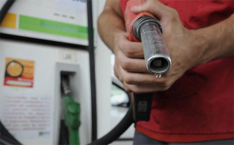 Valor da gasolina subirá acima de 4% nesta sexta-feira