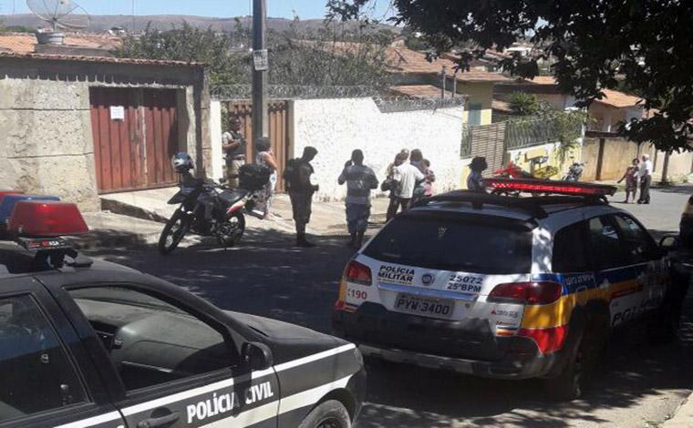 Corpos são encontrados com sinais de violência em residência do Interlagos