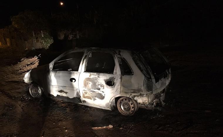 Carro de pessoa encontrada morta no Interlagos é queimado no Verde Vale