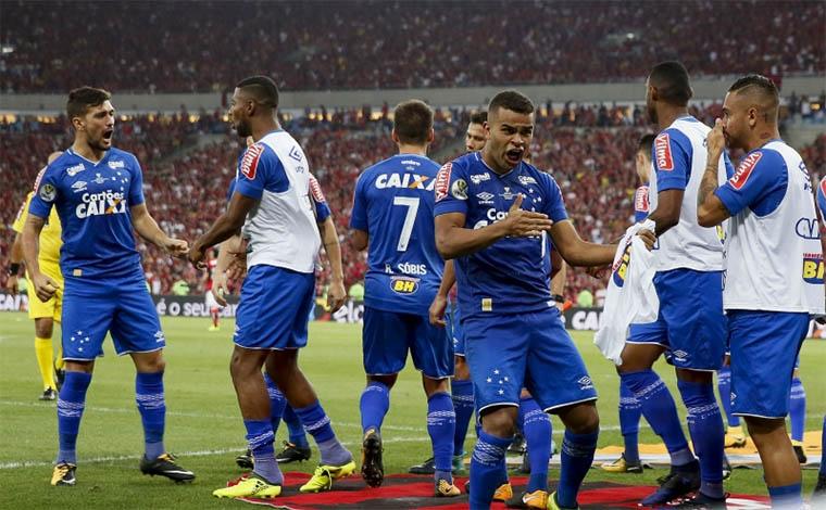 Cruzeiro e Flamengo empatam primeiro jogo e deixam decisão para o Mineirão