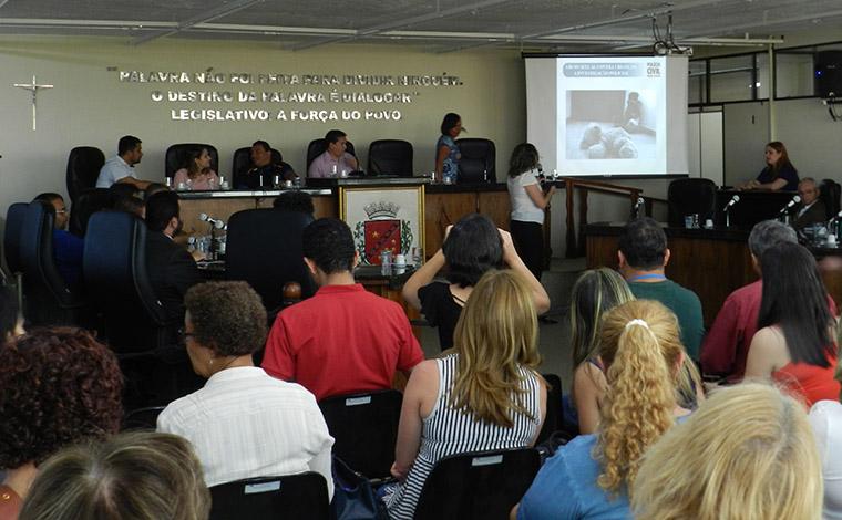 Abuso sexual contra criança e adolescente é debatido na Câmara