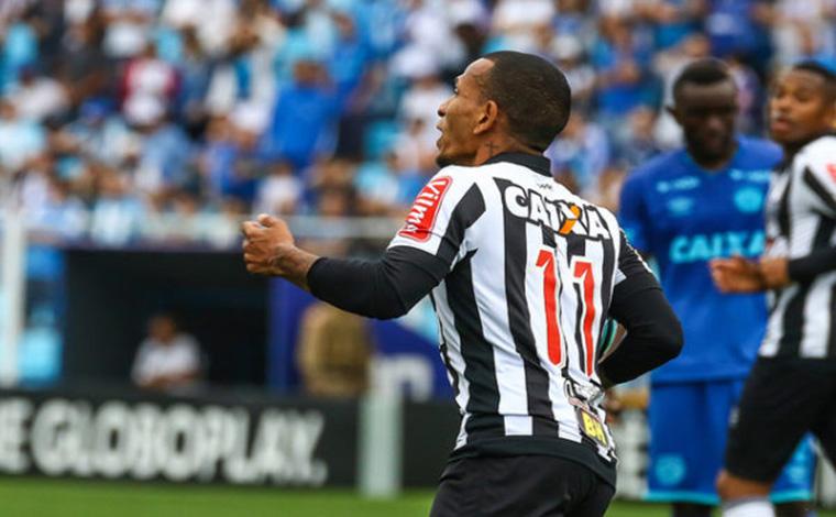 Otero marca no final do jogo e salva o Galo de derrota em Santa Catarina