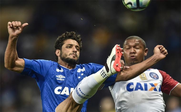 Cruzeiro vence apertado e consegue se manter no G6