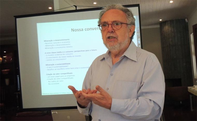 Ex-ministro Paulo Paiva ministra palestra em Sete Lagoas sobre a crise econômica