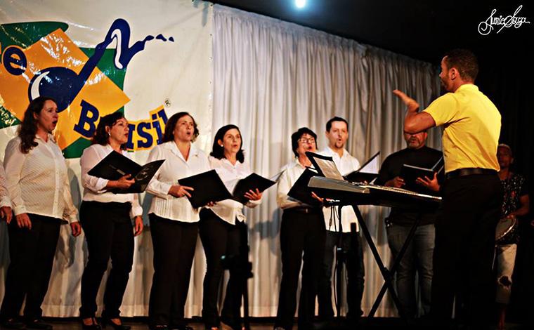 Arte Brasil prepara noite de gargalhadas e música para celebrar a Primavera