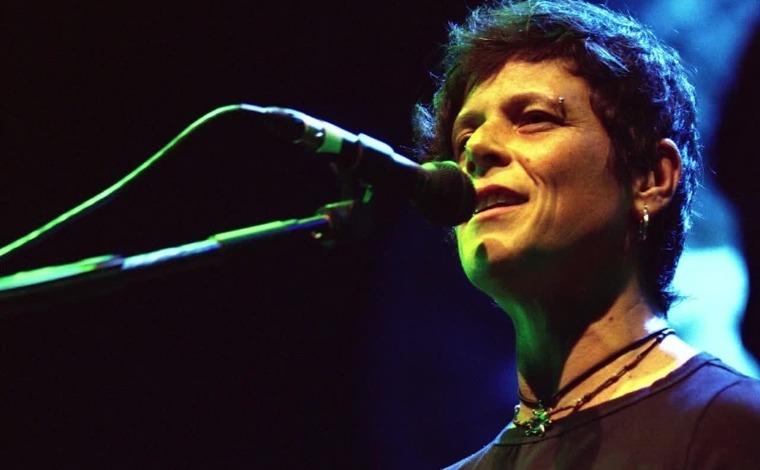 Feirinha Acústica realiza edição especial beneficente com Tributo a Cássia Eller