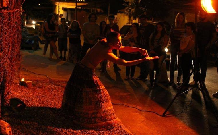 Teatro e solidariedade marcam a programação do fim de semana