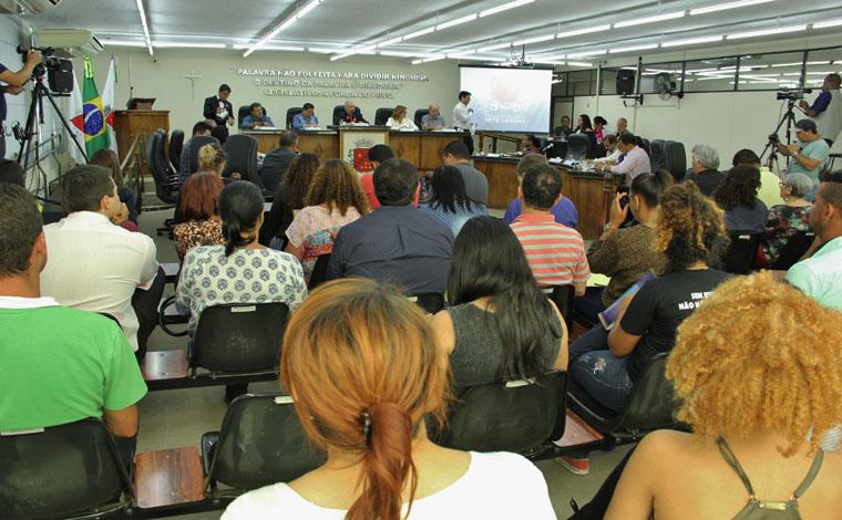Folha de pagamentos do Saae é questionada em reunião da Câmara