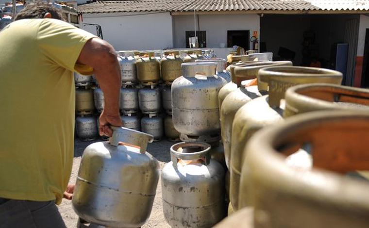 Gás de cozinha tem terceiro aumento de preço em menos de 70 dias