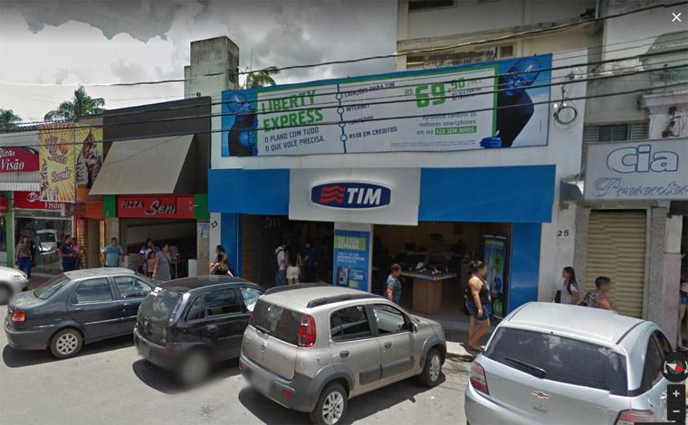 Dupla assalta loja no Centro de Sete Lagoas e leva dezenas de celulares