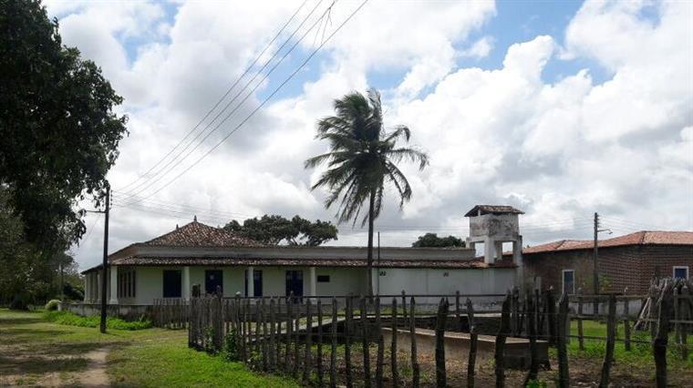 Foto: Ivânia Miranda - Visão lateral da sede do Engenho Corredor