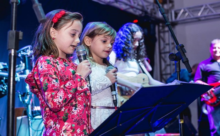 Feirinha Acústica promove espetáculo com músicos mirins nesta quinta-feira