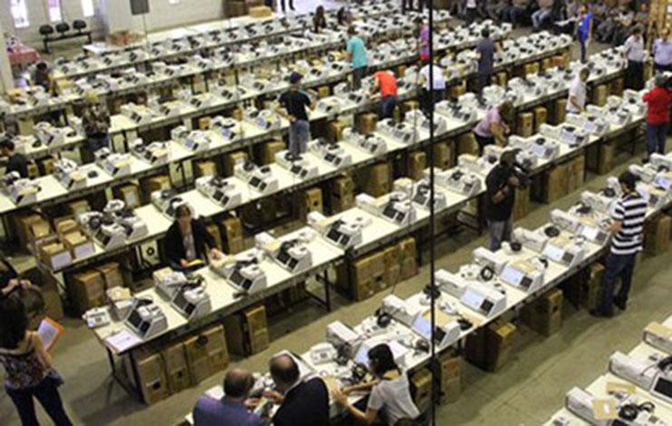Justiça Eleitoral inicia a preparação das mais de 53 mil urnas das Eleições 2016
