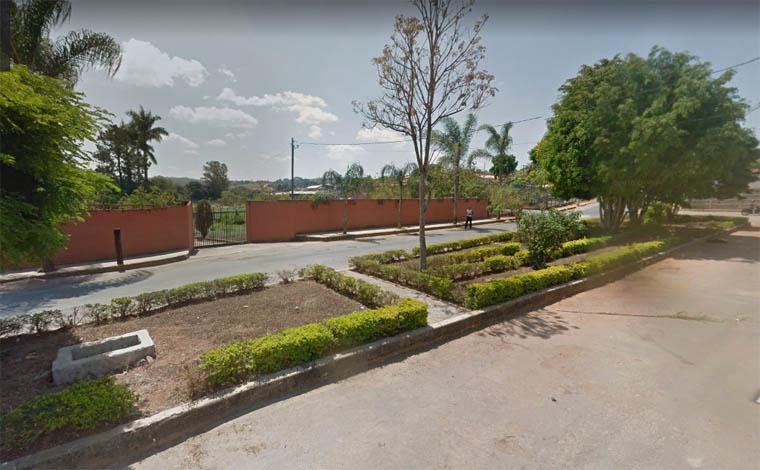 Bandidos encapuzados assaltam indústria alimentícia em Capim Branco