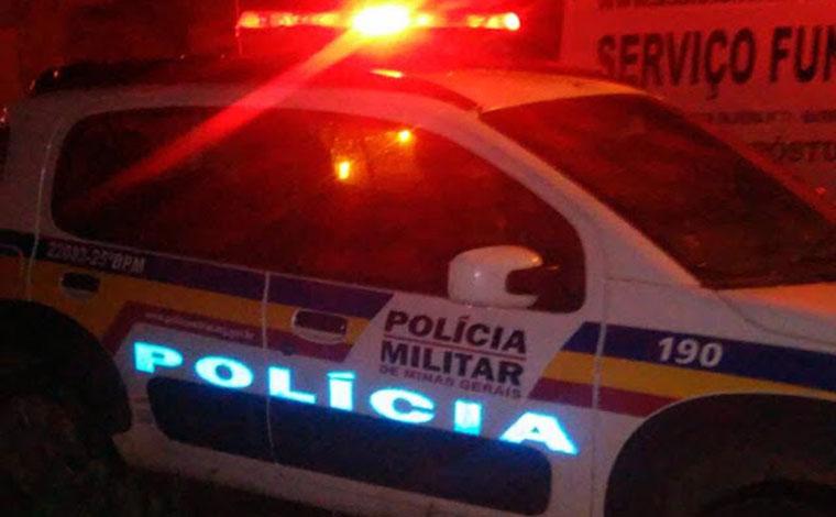 Mulher é morta a facadas em Cordisburo e polícia procura autor