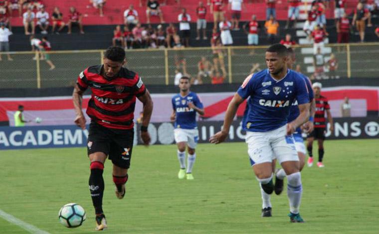 Em jogo morno, Cruzeiro empata com o Vitória em Salvador