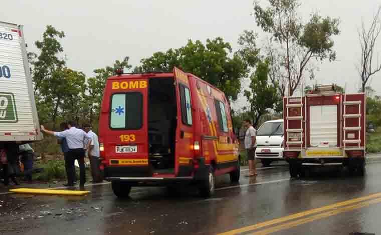 Acidentes na BR 135 deixam três mortos em Corinto e Curvelo