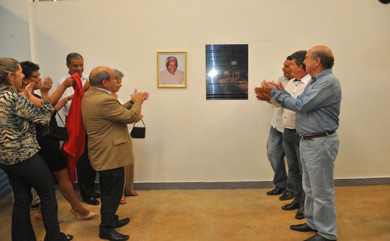Fumep inaugura auditório fazendo homenagem póstuma a professor