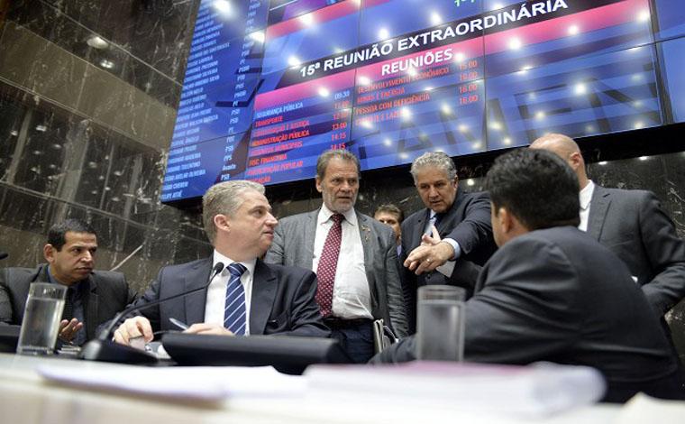 Assembleia aprova projeto que renegocia dívida de R$ 87 Bi do Estado com a União