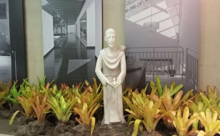 Irmão Sol, Irmã Lua tem visitação até sábado, com peças em reverência a São Francisco