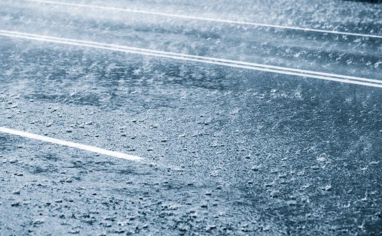 Motoristas devem tomar cuidados para evitar acidentes no período chuvoso