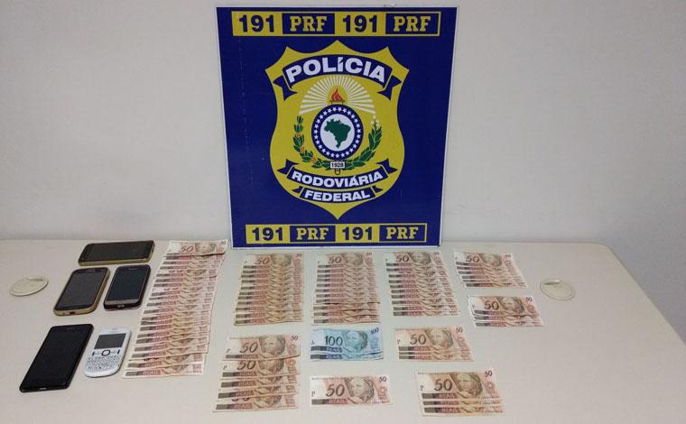 Trio é preso pela PRF transportando dinheiro falso pela BR 040