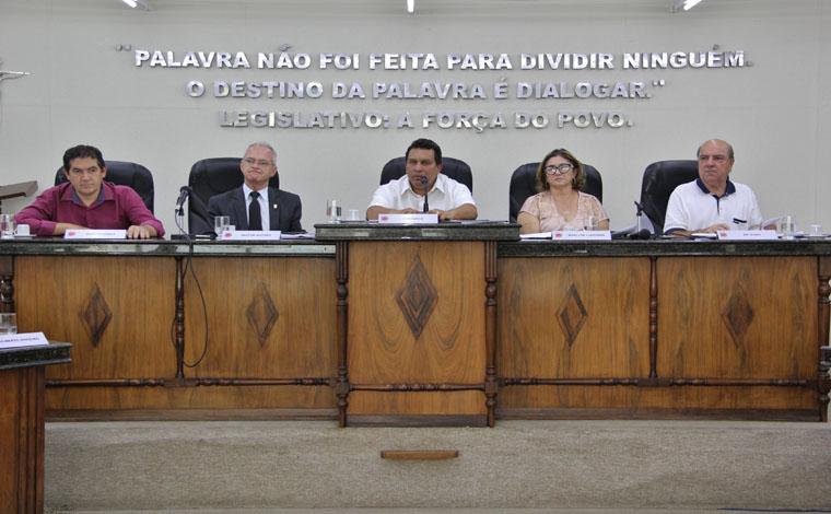 Câmara aprova fim da verba indenizatória e passa a licitar demandas dos gabinetes