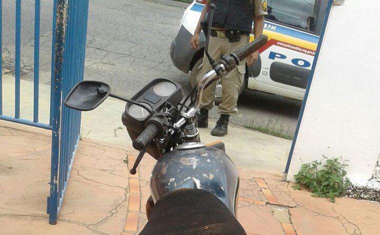 Homem com moto colonada é preso por não pagar pensão alimentícia
