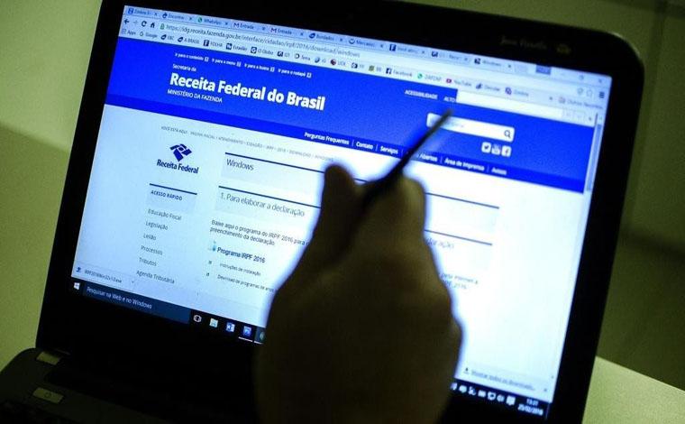 Receita faz pagamento de último lote de restituição do IRPF 2017