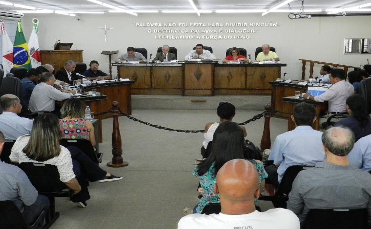 Legislativo aprova pauta extensa na última reunião ordinária do ano