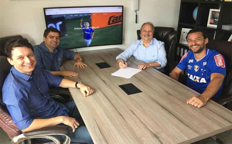 Cruzeiro contrata Fred no mesmo dia em que ele é anunciado fora do Galo