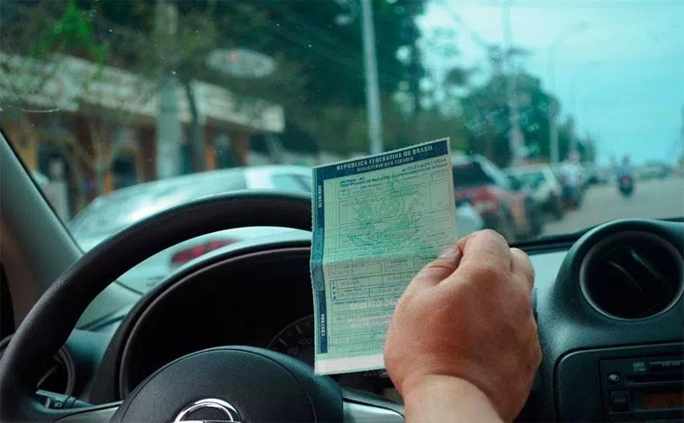 Locais de pagamento do IPVA parcelado no cartão serão informados nesta semana