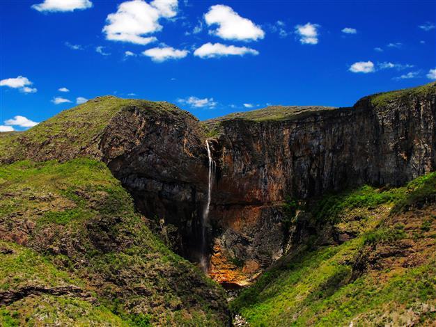 Foto: Arthur Perillo - Cachoeira do Tabuleiro, a mais alta de Minas Gerais