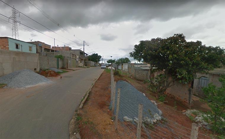 Bandidos invadem festa e atiram contra dois jovens em Pedro Leopoldo