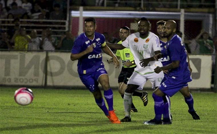 Com ataque inoperante, Cruzeiro empata com a Caldense em Poços de Caldas