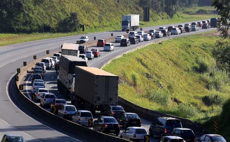 Acidente com vítima fatal provoca congestionamento de 7 km na BR 040