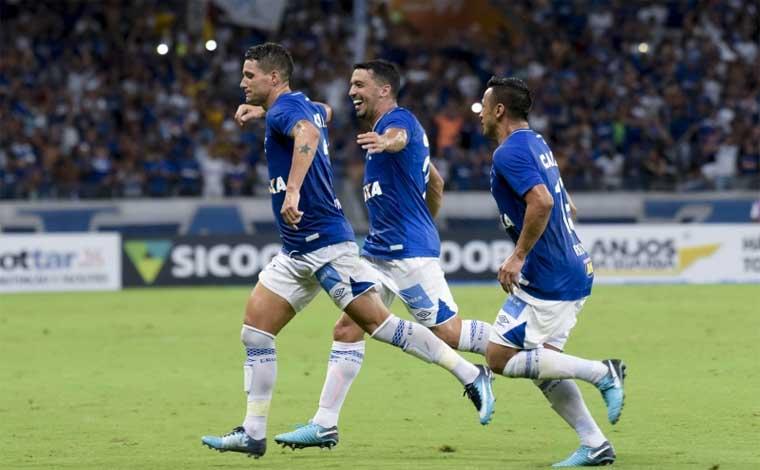 Em rodada movimentada, Cruzeiro goleia e se mantêm na liderança do Mineiro