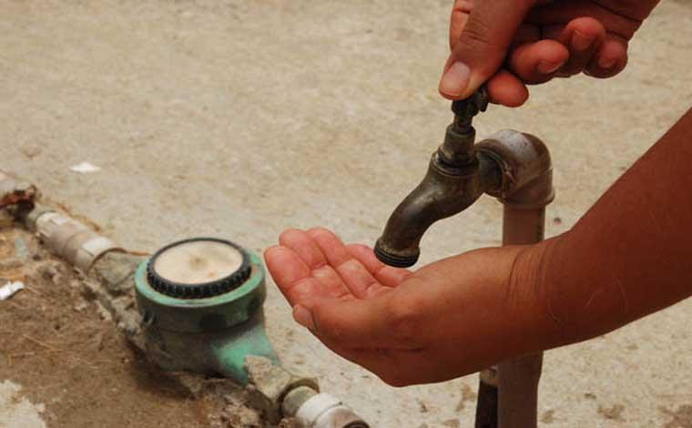Saae faz manutenção de emergência e vários bairros podem ficar sem água