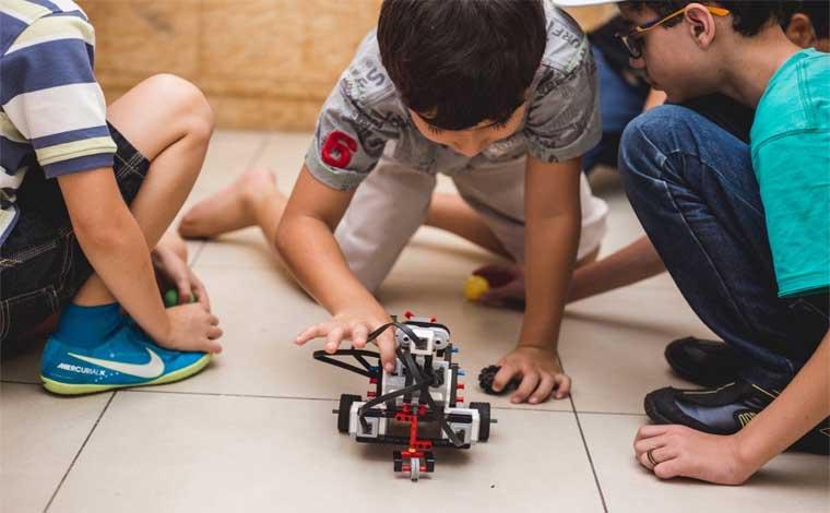 Oficina gratuita de robótica para crianças será promovida no próximo sábado