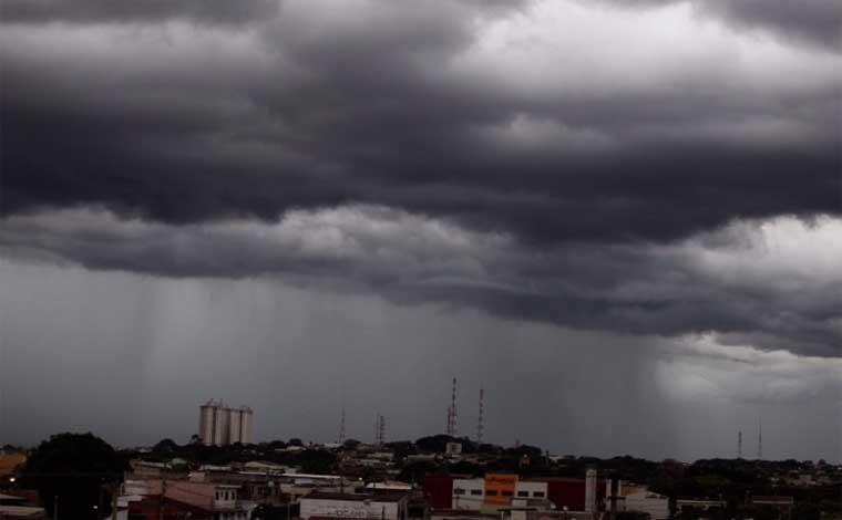 Regiões Central e Metropolitana de BH têm alerta de temporais