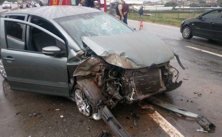 Acidente deixa o trânsito caótico no Anel Rodoviário da capital