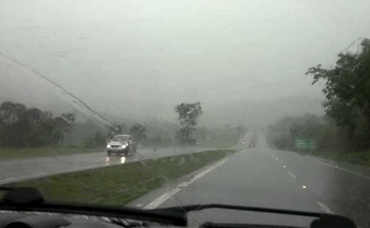 Via 040 recomenda atenção aos motoristas com chuvas até o Carnaval
