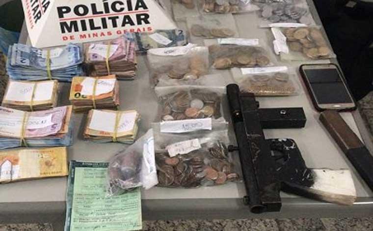 Polícia Militar prende trio na BR 040 e recupera dinheiro roubado de lotérica