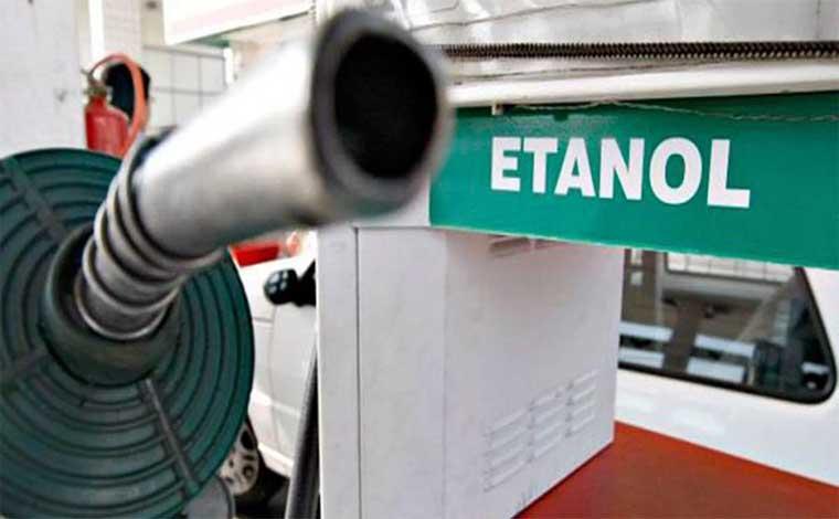Etanol fica vantajoso apenas em dois estados após altas sucessivas