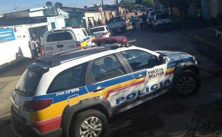 ... Fotos  PMMG - Quadrilha de seis criminosos foi presa no Bairro  Esperança com 351a8f83bf9