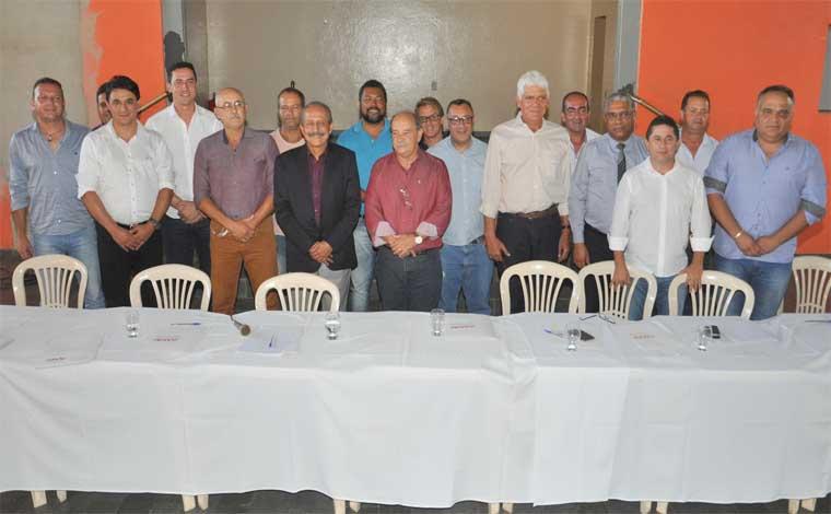 Santana de Pirapama sedia reunião com presença de secretário de estado