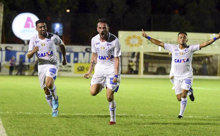 Cruzeiro segue como líder do mineiro e Galo, sem Oswaldo, busca vitória contra Caldense