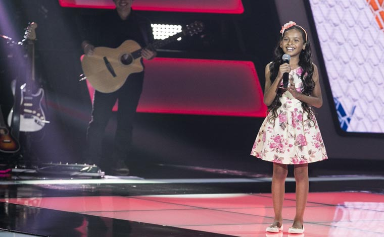 Izabela Góis, de Funilândia, encantou o júri do The Voice Kids