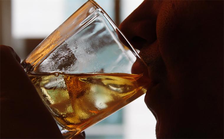 Preconceito e desinformação são lembrados no Dia Nacional de Combate ao Alcoolismo