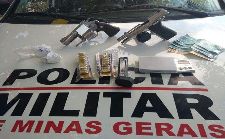 PM de Pedro Leopoldo prende três homens por tráfico e apreende fuzil